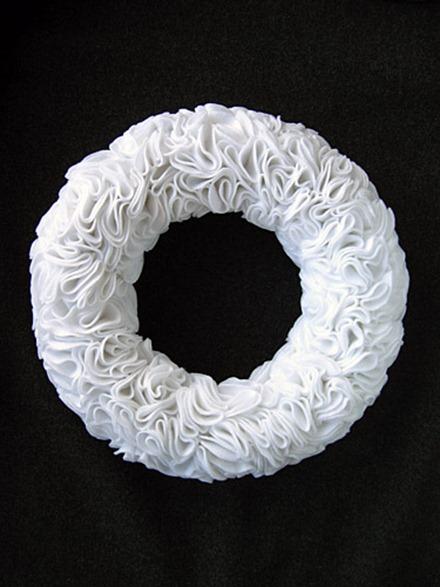 felt-ruffle-wreath