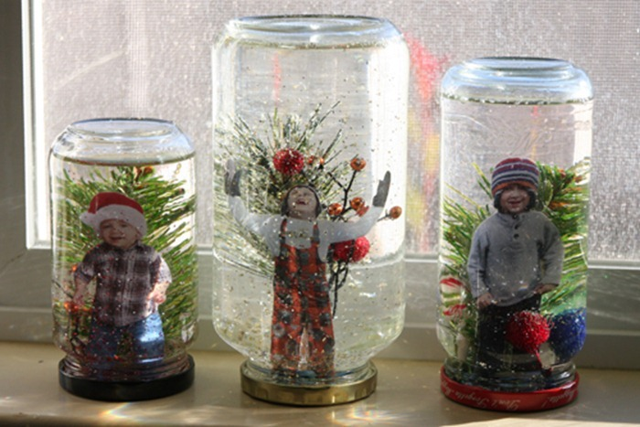 Kids-in-snow-globes-on-window_thumb1